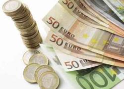 Euro a ajuns miercuri la cel mai scăzut nivel faţă de dolar din ultimii patru ani