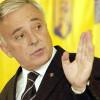 Isărescu: Contribuţiile de asigurări sociale sunt foarte mari pentru nivelul de salarii din România