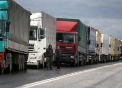 Exporturile au crescut cu 47,8% în ianuarie, deficitul comercial al României s-a redus cu 60,6%