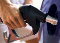 OMV Petrom a scumpit benzina cu 8 bani şi motorina cu 6 bani, ca urmare a creşterii accizelor