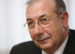 Gheţea: Băncile vor relua creditul de consum în 2011, pe fondul stabilităţii veniturilor populaţiei