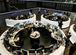 Bursele europene se prăbuşesc pe fondul temerii privind extinderea crizei datoriilor