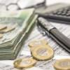 Strategia fiscal-bugetară prevede un curs mediu de schimb de 4,13 lei pentru un euro în 2014