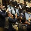 Bursele cresc în urma deciziei a cinci bănci centrale de a sprijini lichiditatea în pieţe