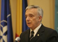 Isărescu: Inflaţia ar putea ajunge la 2% în martie 2012, preţurile vor scădea. Inflaţia anuală pentru 2011 este 3,3%