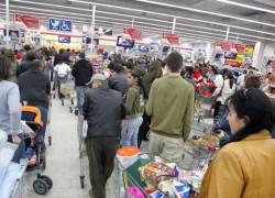 Cum arată viitorul cumpărăturilor? Vor prima achiziţiile de pe internet, iar mall-urile ajung magazine de prezentare