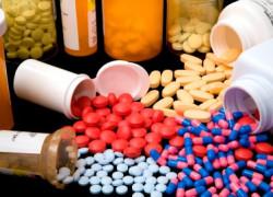 Senatul a limitat la 10% valoarea taxei claw-back impusă producătorilor de medicamente