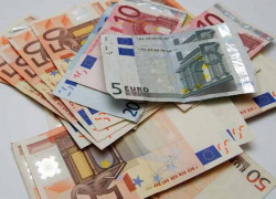 Vezi cum poţi verifica ţara de origine a unei bancnote euro