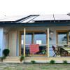 Cât costă o casă independenta energetic, proiectată de români