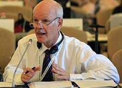 Ambasadorul Republicii Federale a Braziliei la București, Excelenţa Sa Domnul Raymundo Santos Rocha Magno, recomandă oamenilor de afaceri clujeni să-și lărgească orizontul pentru a explora pieţele din America de Sud